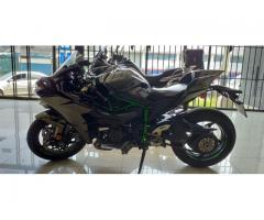 Vendo Kawasaki H2 Ninja  Motor : 1000cc Año : 2015 Km: 14000 - Imagen 2/6