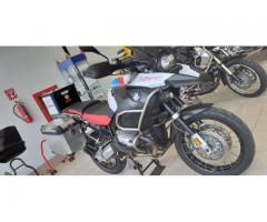 MOTO BMW R 1200 GS Con sus 3 Maletas ..
