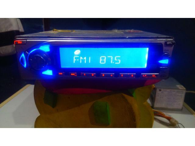 Radio Reproductor De Carro Marca Parker - 2/6
