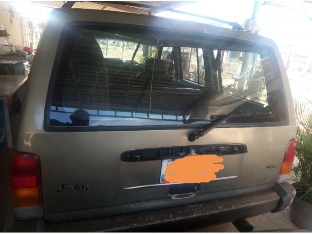 Se vende jeep Cherokee 98 - 2/6