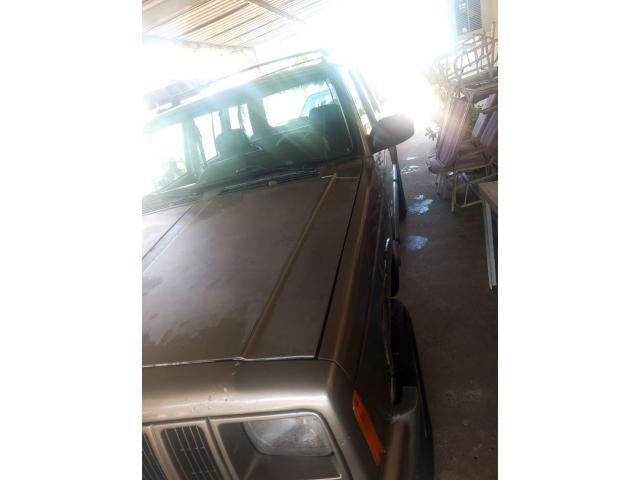Se vende jeep Cherokee 98 - 3/6