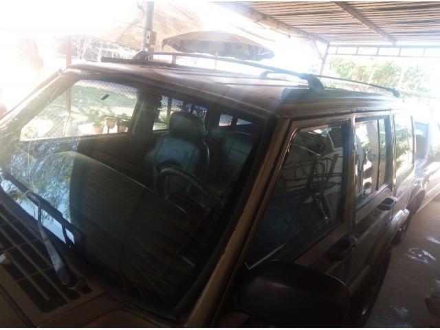 Se vende jeep Cherokee 98 - 4/6