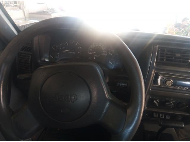 Se vende jeep Cherokee 98 - 5/6