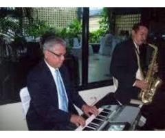 GRUPO MUSICAL INSTRUMENTAL CON SAXO Y PIANO