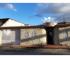 $21.500 Bella Casa en Venta Montaña Fresca Maracay