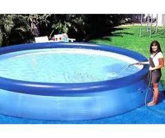 piscina grande con motor hinchables para varias personas adultas