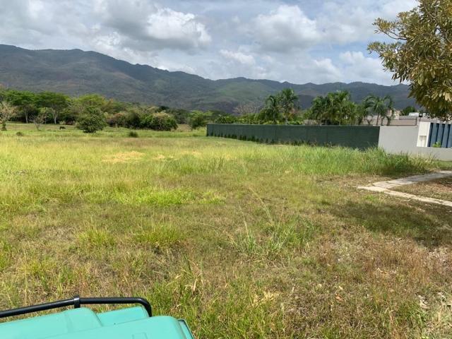 Terreno en Guataparo Country Club de Oportunidad - 1/6