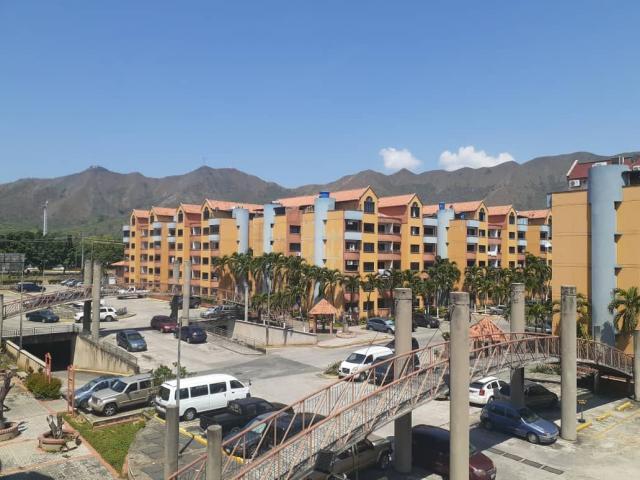 Apartamento en venta Frente a la UJAP, Res. Poblado de San DIego - 1/6