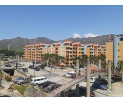 Apartamento en venta Frente a la UJAP, Res. Poblado de San DIego