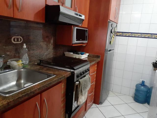 Apartamento en venta Frente a la UJAP, Res. Poblado de San DIego - 4/6