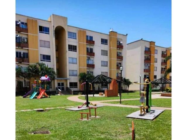 Apartamento en Venta de Remate en Res. Valles del Nogal en San Diego - 1/6