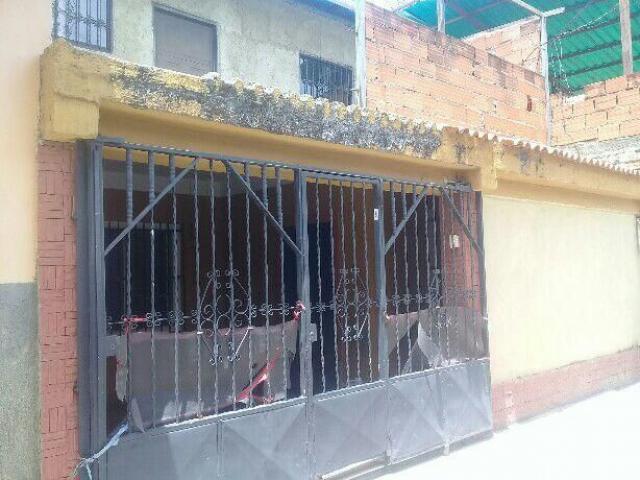 CASA SIMON BOLIVAR LA VIVIENDA NAGUANAGUA VENDE FRANK BETANCOURT - 1/5