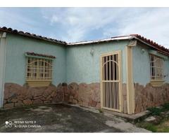 Casa Urb El Saman Guacara