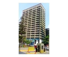 Vendo Amplia y Comoda Oficina 70m2 en Centro Plaza (Altamira)