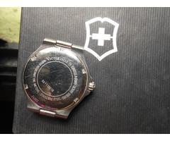 Reloj Victorinox Swiss Army modelo 24002 Usado