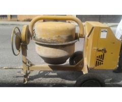 Trompo (mezcladora de cemento), marca Siveti, usado.