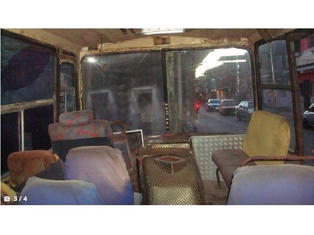 Bus Evro 1984 listo para trabajar En Puerto La cruz - 3/4