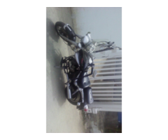 Vendo hermosa moto tipo chopper.