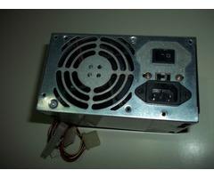 Fuente de Poder Marca Diamond ATX (Usada) de 300W (Funcionando).