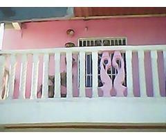 Casa con locales en Bucarito