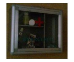 caja de cruz roja