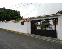 Hermosa Casa Quinta en Colinas de Carrizal Estado Miranda