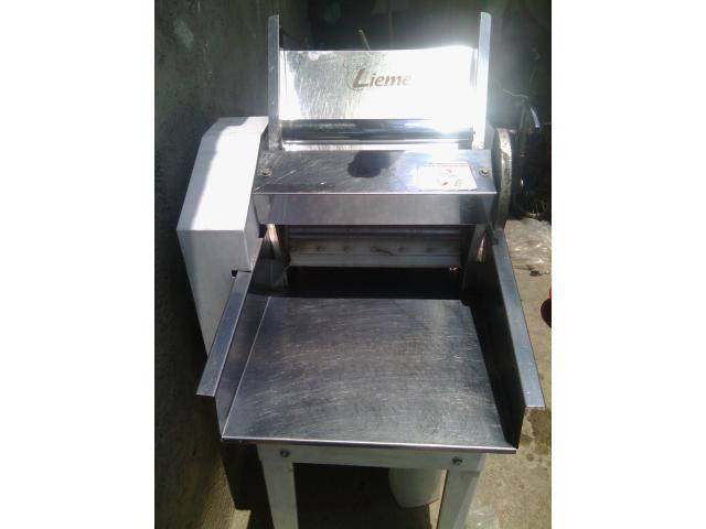 maquinaria completa y en buenas condiciones funcionando para fabrica de pasteles - 2/4