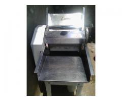 maquinaria completa y en buenas condiciones funcionando para fabrica de pasteles