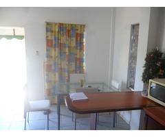 Apartamento tipo estudio totalmente amoblado - Imagen 4/5