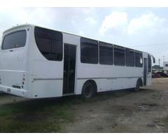 Autobus Mercedes Benz de 52 puestos, usado