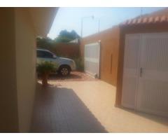 Casa en Venta Las Camelias (calle cerrada con vigilancia)