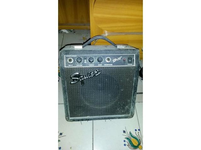 Amplificador de Guitarra Squier SP-10 (con distorcion) - 2/2