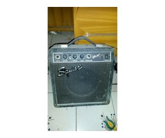Amplificador de Guitarra Squier SP-10 (con distorcion)