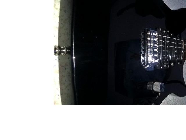 Guitarra Electrica Washburn PRO X Series modelo X 10, con estuche y un cable. - 6/6