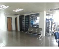 Alquilo 2 Pisos de Vistoso Edificio en el Centro de Puerto Ordaz