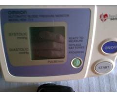 Tenciometro automatico digital OMRON Modelo Hem 711