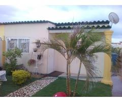 Remato Por Motivo de Viaje Hermosa casa con Piscina en Villa