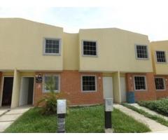 EN VENTA TOWN HOUSE A ESTRENAR 96 MTS 2 HAB 1 BAÑO 1 PSTO PRECIO DE OPORTUNIDAD