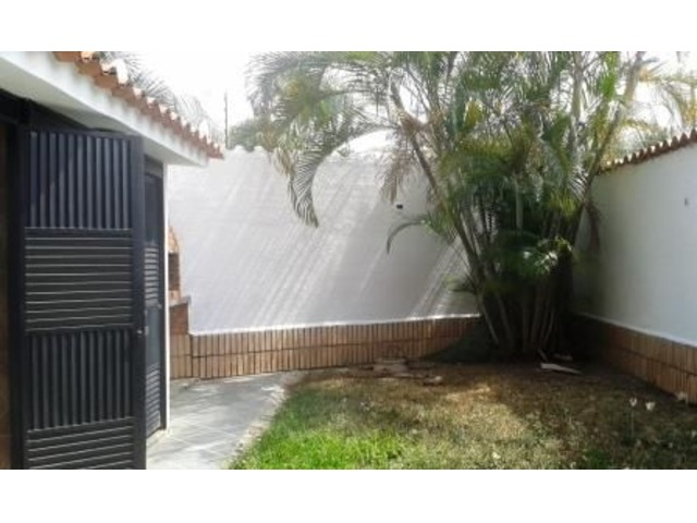 EN VENTA LINDO TOWN HOUSE 140 MTS 3 HAB 3 BAÑOS 2 PSTOS - 6/6