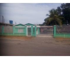 Vendo Casa con terreno de 1300 Mts2  y Propiedad