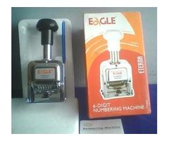 Numeradora-Foliadora manual metálica, marca Eagle, 6 dígitos