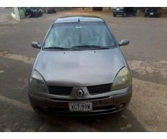 Renault Clio 2007 versión especial. Acepto cambio por camioneta cerrada