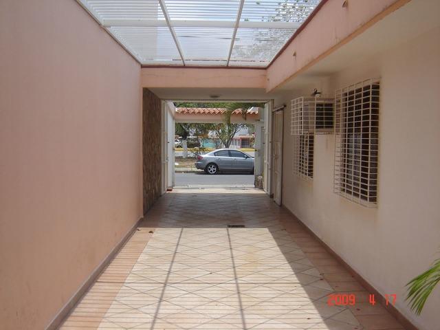 Vendo casa-Quinta frente Avenida Don Julio Centeno. - 2/6
