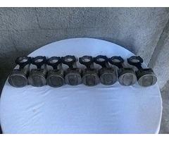 Se vende pistones a 020 para motor 351 interesados llamar al 04129629659 negociables