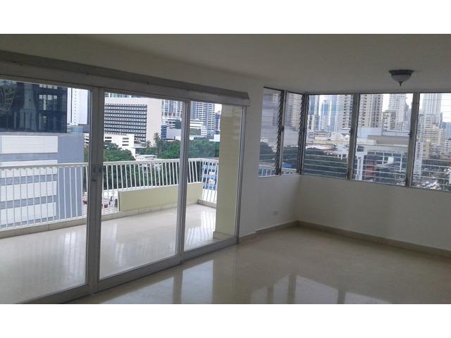 Se alquila Apartamento Super espacioso y comodo en Calle 50 - 1/6