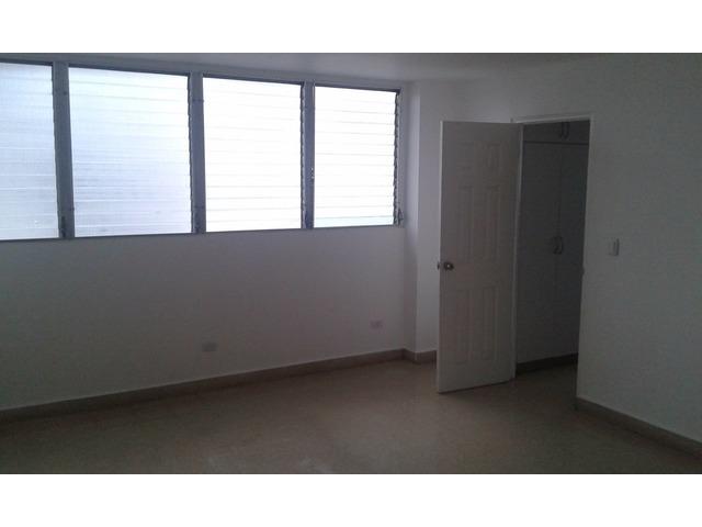 Se alquila Apartamento Super espacioso y comodo en Calle 50 - 4/6