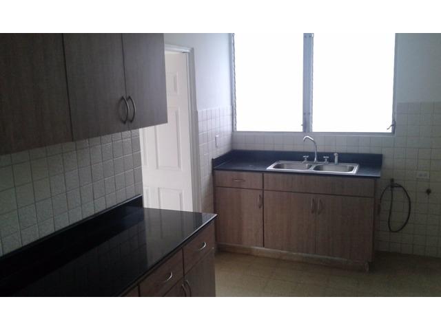 Se alquila Apartamento Super espacioso y comodo en Calle 50 - 5/6