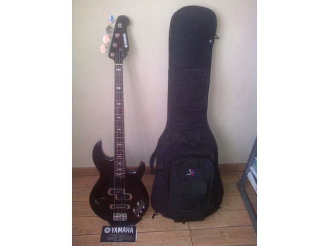 "Bajo Electrico Yamaha ""ACTIVO"" 4 Cuerdas Modelo BB614 - 1/4"