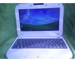 mini laptop con cargador
