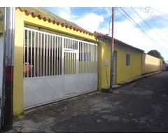 SKY GROUP Vende Hermosa Casa con anexo en La Puerta, Trujillo. BOC069